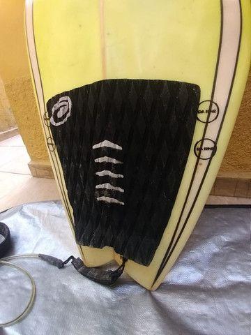 Prancha Zampol 6'2 com quilha + deck + lesh + capa - Foto 4