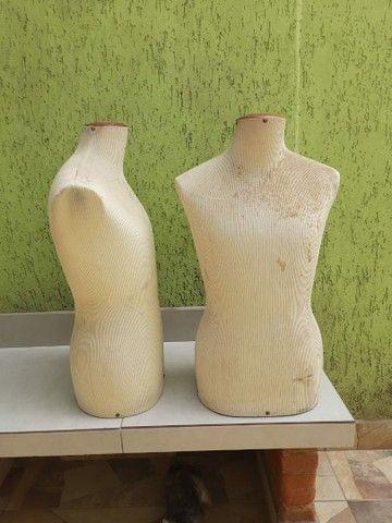 Manequim busto em fibra coberto com tecido  - Foto 5