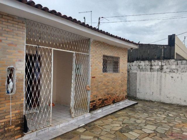 Casa no Bancários, 03 quartos sendo 01 suíte - Foto 7