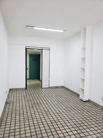 Ótima sala com luminárias e piso cerâmico de 29m² no Maracanã. - Foto 8