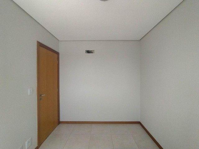 Locação   Apartamento com 86.87 m², 3 dormitório(s), 2 vaga(s). Vila Cleópatra, Maringá - Foto 10