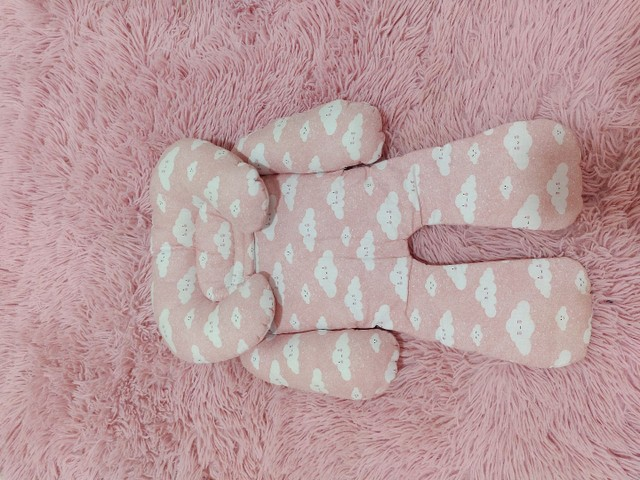 Acolchoado Redutor P/ Bebê Conforto Nuvem Rosa