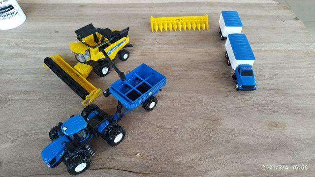 Conjunto de colheita 1/64 New Holland CR990 e T9645