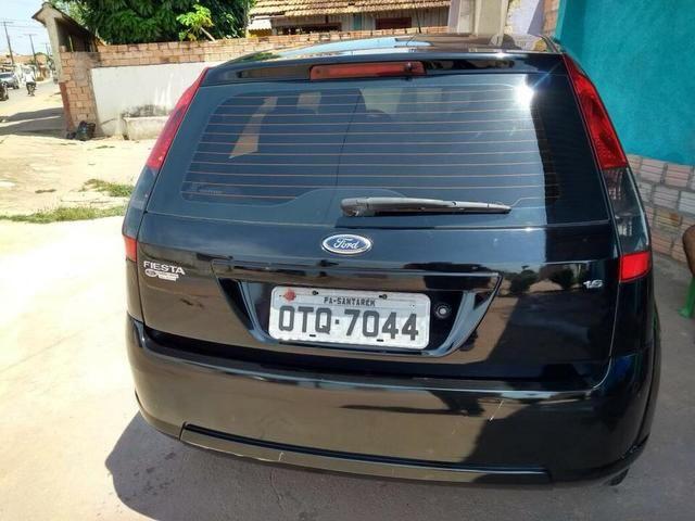 Ford Fiesta SE (leia)