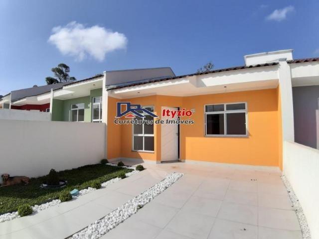 Casa com 3 quartos dentro de condomínio no bairro Gralha Azul