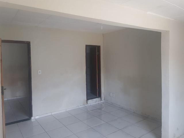 Vende- se uma Casa no Recanto Fialho, aceito carro no negócio - Foto 16