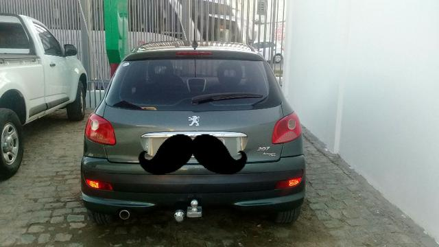 Carro Peugeot
