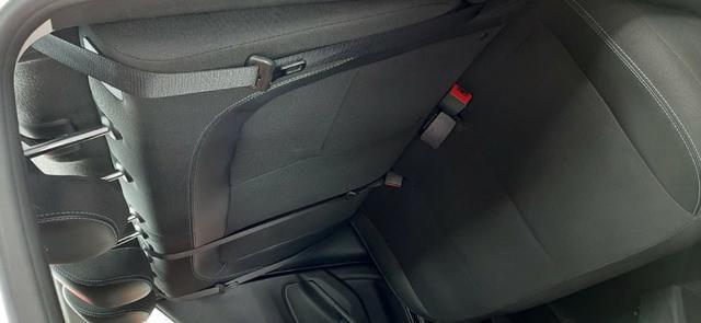 Prisma Lt 1.4 2019 Prata 30mil kms - Financia sem entrada - aceita carro na troca - Foto 8