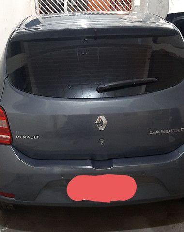 Vende-se Sandero já financiado - Foto 2