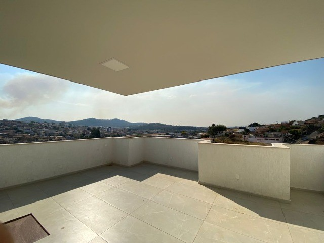 Apartamento cobertura à venda, 2 quartos, 3 banheiros - Pará de Minas/MG.