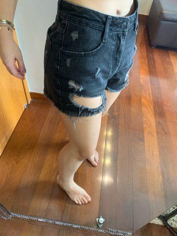 Shorts Jeans Escuro ZARA  - Foto 2