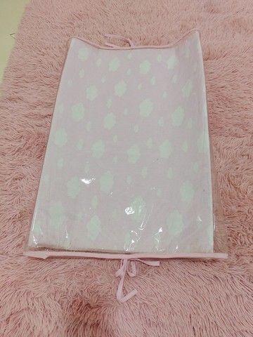 Trocador Americano de cômoda C/ Protetor Nuvem Rosa - Foto 3