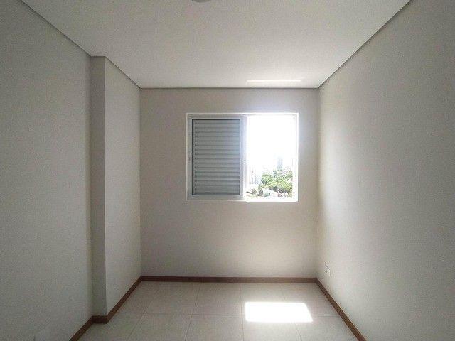 Locação   Apartamento com 86.87 m², 3 dormitório(s), 2 vaga(s). Vila Cleópatra, Maringá - Foto 9