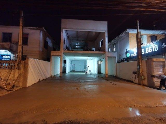 Aluga Loja 258 m2,+ mesanino, pé direito com 3,50 m e 02 wcs Santos SP  Rodrigues Alves
