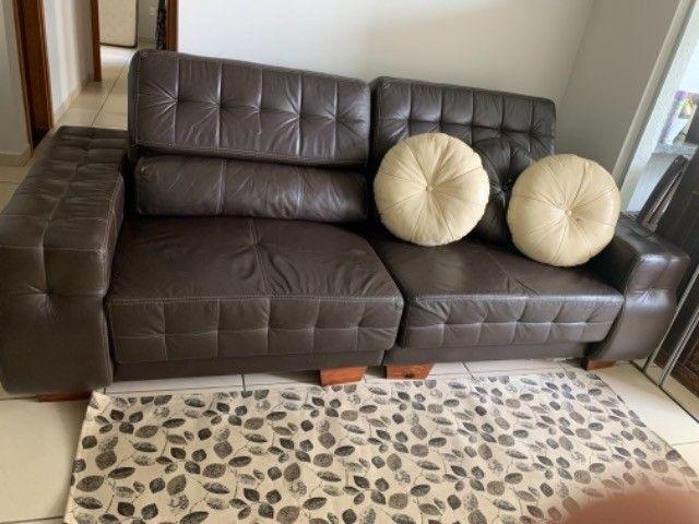 Sofá retrátil em couro natural