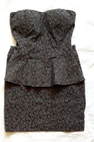 Conjunto de blusa e saia Usados
