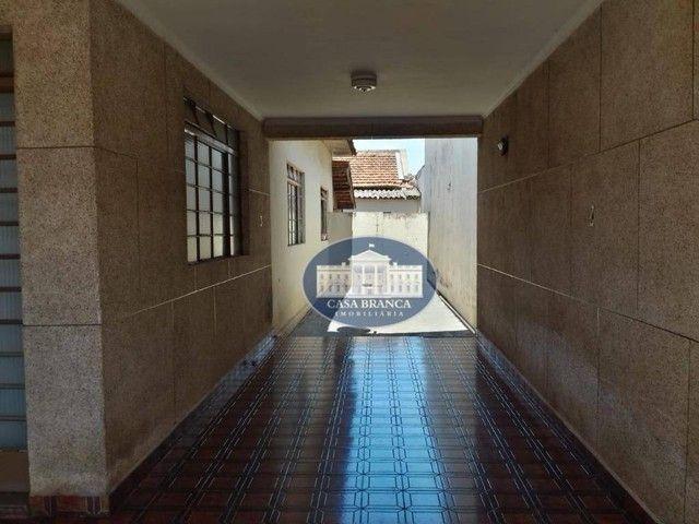 Casa com grande potencial para comércio, 3 dormitórios à venda, 189 m² por R$ 550.000 - Sa - Foto 3