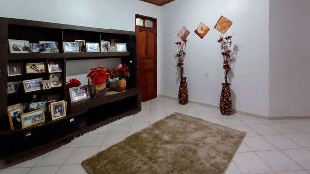Linda casa com 03 suítes no bairro Alvorada - Foto 3