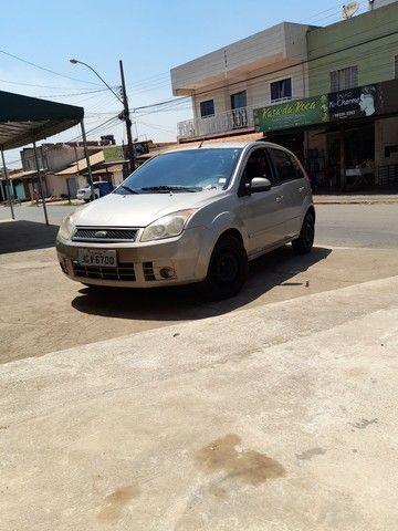 Fiesta hatch 1.6 ou troco ou agio - Foto 2