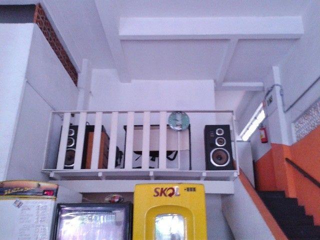 Vendo/alugo loja de esquina com amplo mezanino no centro de São Vicente/SP - Foto 9