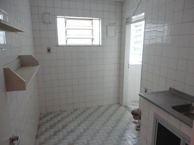 Apartamento com vaga de garagem, composto por sala, 2 quartos, banheiro social, cozinha, á - Foto 13