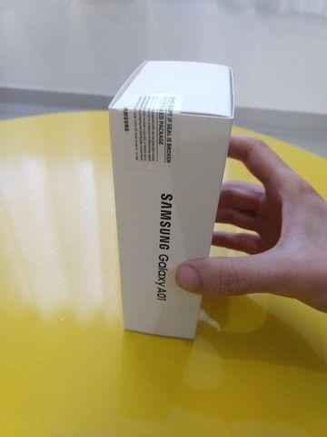Samsung A01 - 5,7 - 32GB - 2RAM - Câmera dupla (não é a CORE) - Foto 3