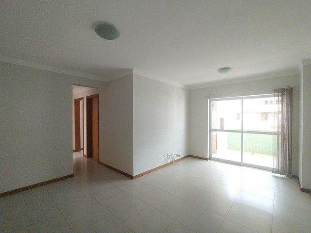 Locação   Apartamento com 86.87 m², 3 dormitório(s), 2 vaga(s). Vila Cleópatra, Maringá - Foto 3