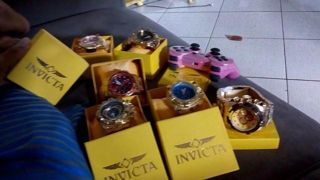 Relógio invicta na caixa 150