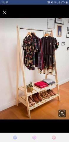 Araras para roupas e closets