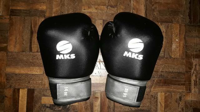 Luva de boxe profissional tam:14oz DE BARBADA - Foto 2