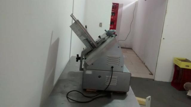 Máquina de cortar frios (queijo e presunto) - Foto 3