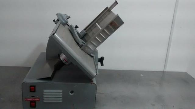 Máquina de cortar frios (queijo e presunto) - Foto 2