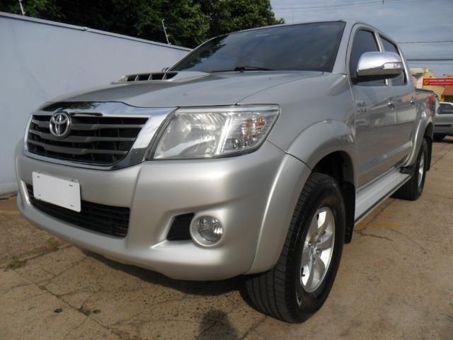 Toyota Hilux CD Srv D4-D 5 marchas 4x4 3.0 Tdi Diesel Aut