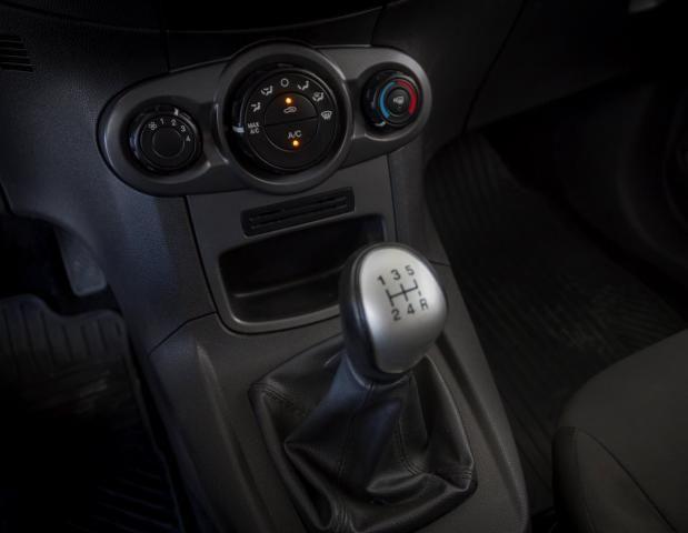 Ford Fiesta 2014 1.5 S Flex 4P Prata Completo - Foto 9
