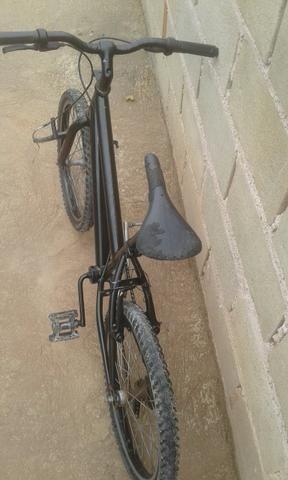 Troco uma bicicleta,