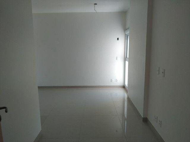 Excelente apartamento de 3suites plenas 2 vagas de garagens . - Foto 2