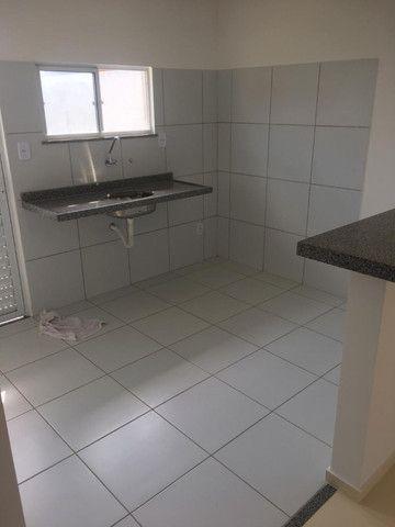 Casas na planta em Condomínio Fechado, de 2 quartos com suíte e porcelanato - Foto 8