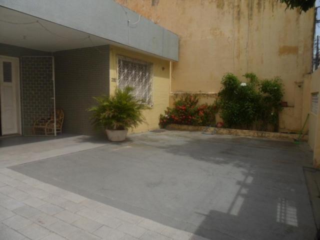 Casa com 5 dormitórios à venda, 350 m² por R$ 1.100.000,00 - Fátima - Fortaleza/CE - Foto 2