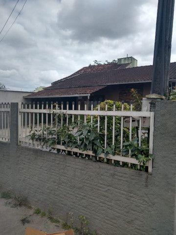 Área de 900m² com 3 edificações localizada perto do BKR festas no Floresta em Joinville - Foto 3