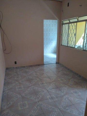 Alugo Apartamento Térreo na Assis Ribeiro em Barra do Piraí. - Foto 2