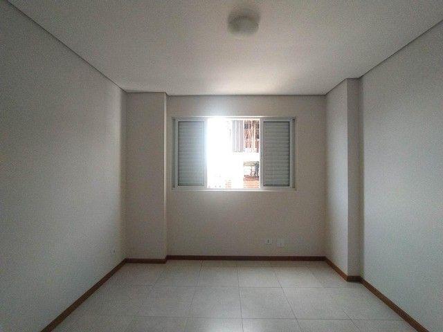 Locação   Apartamento com 86.87 m², 3 dormitório(s), 2 vaga(s). Vila Cleópatra, Maringá - Foto 6