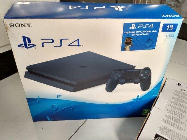 PS4 Playstation slin Sony 1 TB + 1 jogo Call of Duty