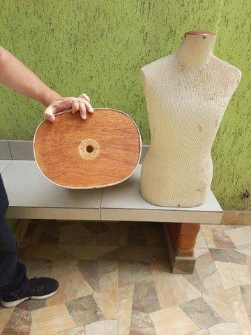 Manequim busto em fibra coberto com tecido  - Foto 4