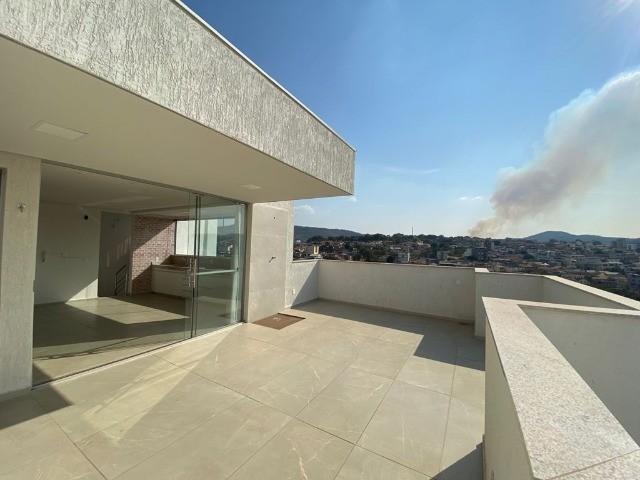 Apartamento cobertura à venda, 2 quartos, 3 banheiros - Pará de Minas/MG. - Foto 2