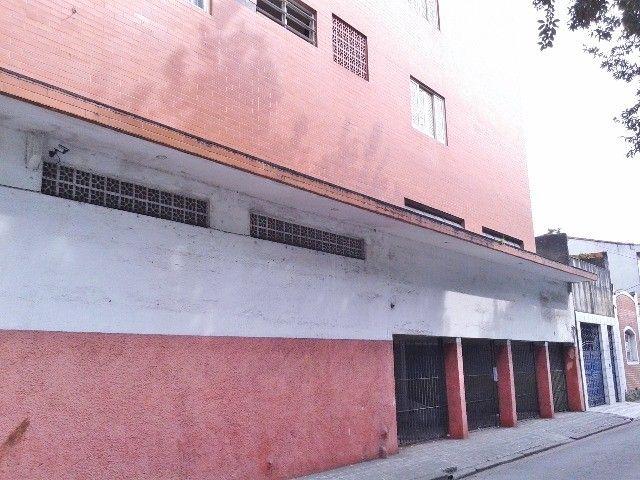 Vendo/alugo loja de esquina com amplo mezanino no centro de São Vicente/SP - Foto 3