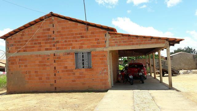 Vende=se uma casa em Pedro Afonso-To, Setor canavieiras, terreno 300 Metros Quadrados