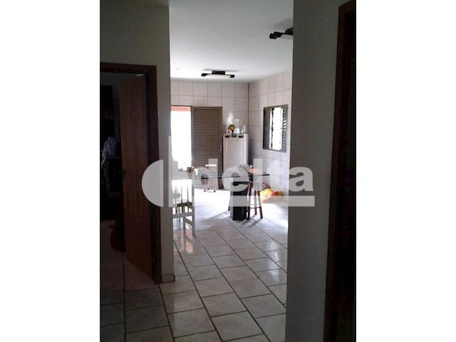 Casa para alugar com 3 dormitórios em Segismundo pereira, Uberlândia cod:545080 - Foto 5