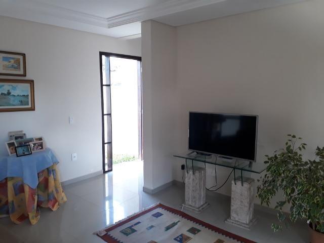 Sobrado em condomínio fechado com 120 m² de área construída + espaço externo - Foto 2