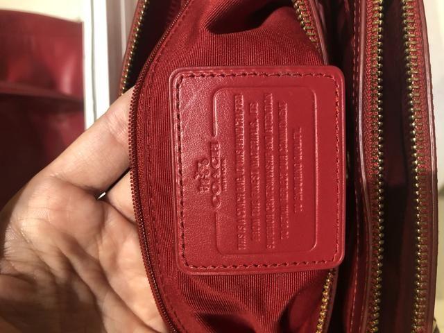 fd3513a52 Bolsa Coach vermelha de couro . Original. Troco por Apple Watch ou EarPods.