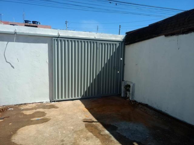 QC 01   Casa 2 Quartos   Quintal e 1 Vaga   Excelente Localização   Oportunidade - Foto 3